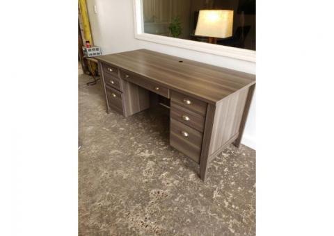 Nice Executive Desk