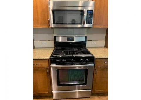 Whirlpool gas range, oven, built in microwave